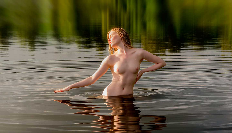 fotosessiya-erotika-na-vode-smotret-klassnoe-porno-trio