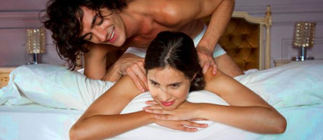 pareja masaje romántico